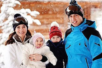 El principe William, la duquesa de Cambridge Kate Middleton con sus hijos