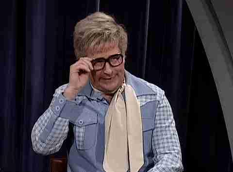 gif hombre con lentes temblando