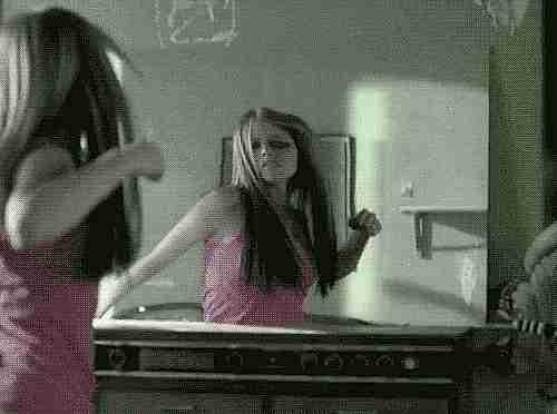 romper un espejo