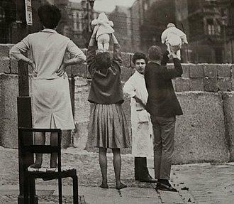 Personas muro de Berlín