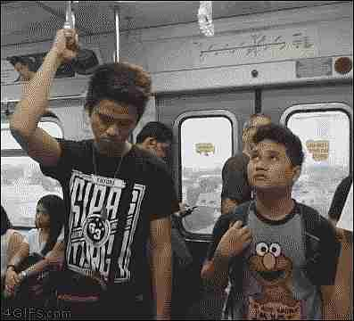 hombre en el metro
