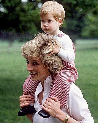 El príncipe Harry y Diana