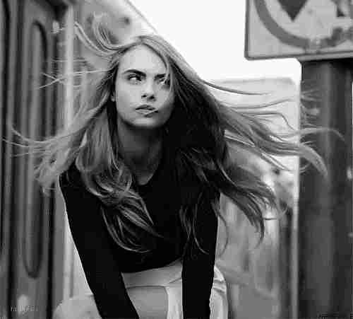 cabello al viento gif