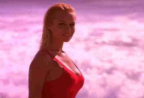 Pamela Anderson playa