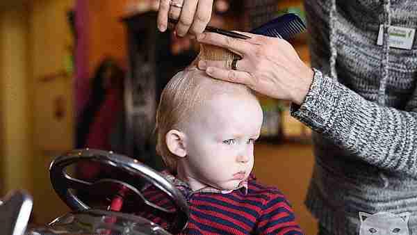 corte de cabello de bebé