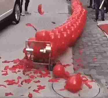 Aparato para destruir figuras de globos