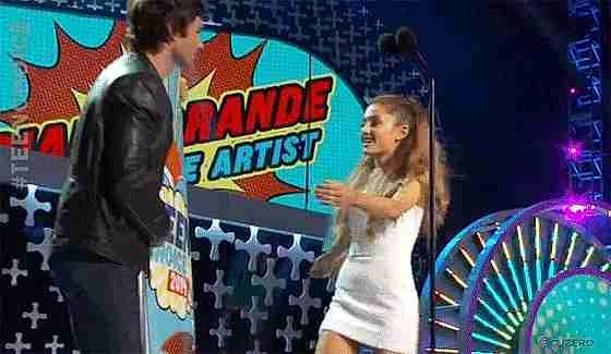 Ian Somerhalder y Ariana Grande