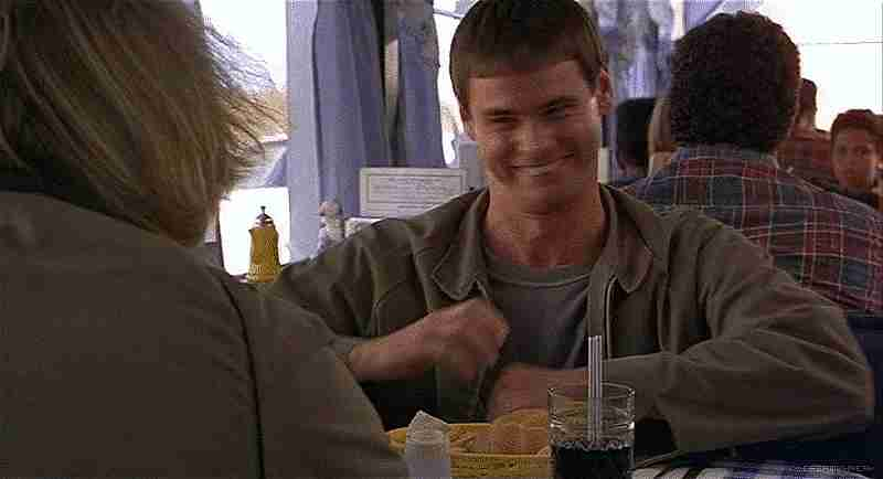 Harry y Lloyd en el restaurant